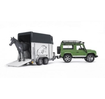 Jipe Land Rover Defender Station Wagon com Reboque e cavalo